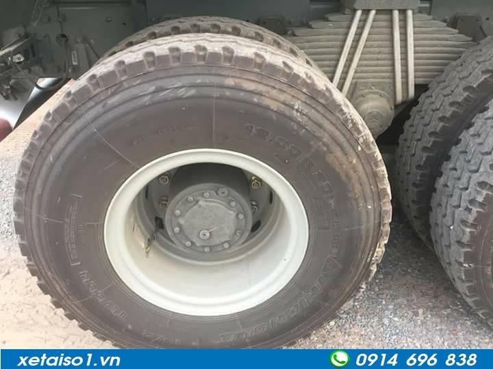 lốp xe ben howo 4 chân thùng vuông